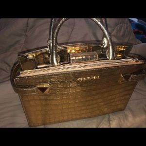 Michael kors gold hand bag
